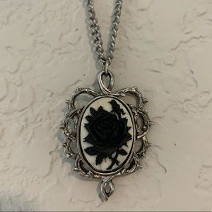 Rose Pendent Necklace